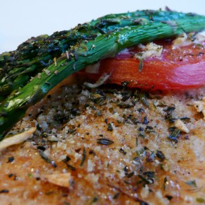 Herb Chicken with Tomato and Asparagus